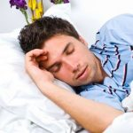 چگونه می توانیم از خواب نیم روزیمان (چرت زدن) بهره ببریم