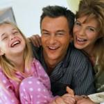 با هدیهای کوچک، محیط خانه را شاد کنید
